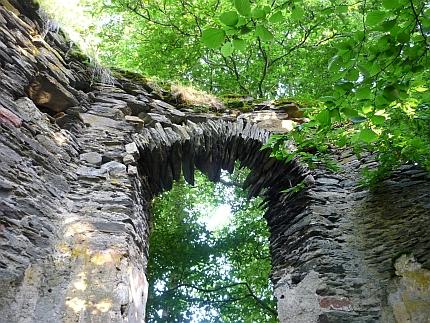 Ruinen der Burg Waldeck - Foto: © 2013 by Schattenblick