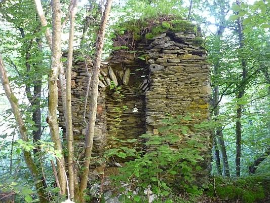 Erhaltene Reste der Burgruine - Foto: © 2013 by Schattenblick