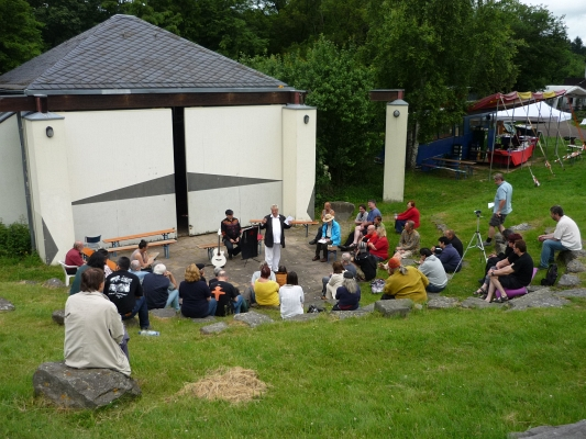 Workshop vor Bühne - Foto: © 2013 by Schattenblick