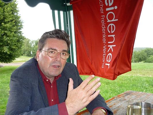 Klaus Hartmann im Gespräch - Foto: © 2013 by Schattenblick