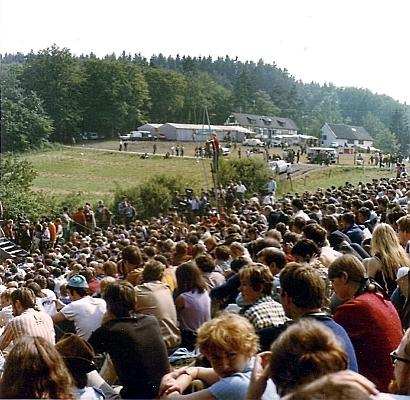 Publikum beim Burg-Waldeck-Festival 1968 - Foto: © By Mirdsson2 (Own work) - CC-BY-SA-3.0-2.5-2.0-1.0, via Wikimedia Commons